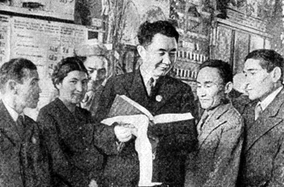 Академик Нығмет Сауранбаев  және қазақ тілінің диалектологиясы