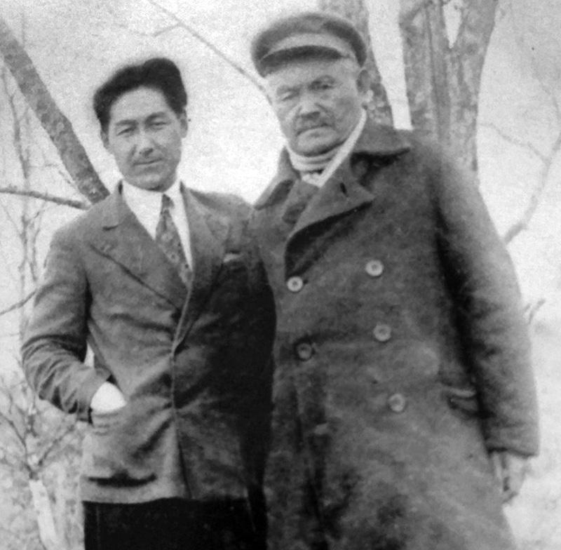 М.Тынышпаев ұлы Ескендірмен. Воронеж, 1932 ж.